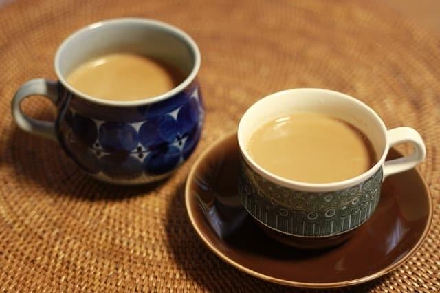 Combien de caféine dans le thé ? (stats et comparaisons)