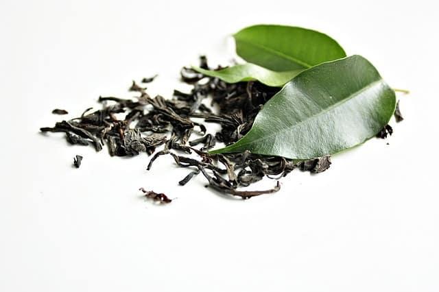 Fumer du thé : Oui c'est possible… (voici comment)