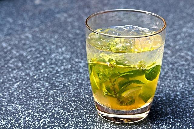 tasse de thé à la menthe poivrée