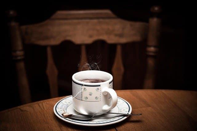 Comment le thé est il décaféiné ? (pas à pas en 2020)