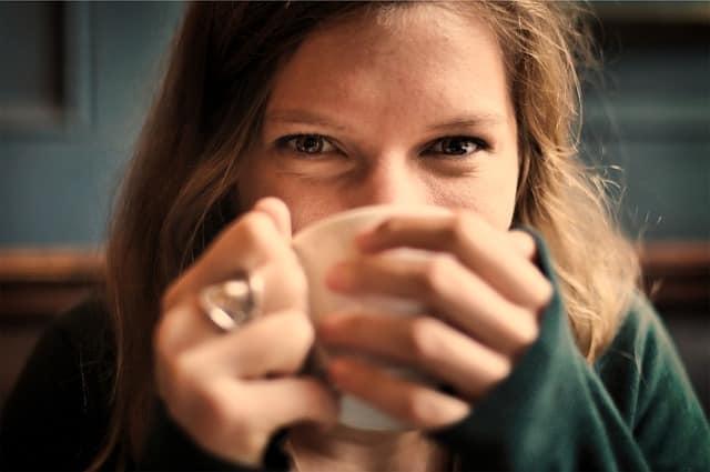 le thé contre les ballonnements