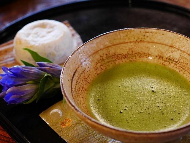 Comment préparer un thé vert matcha ? (parfait)