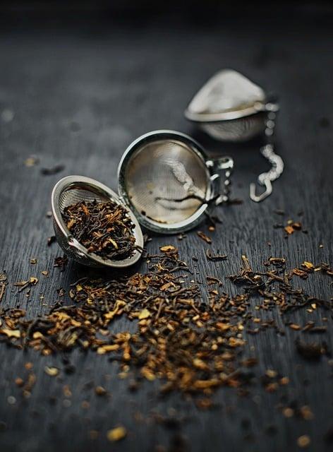 Comment choisir un infuseur à feuilles de thé en vrac (un bon)