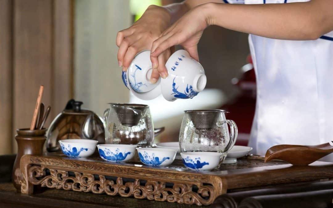 Quelle tasse choisir pour votre thé ? (Verre, Porcelaine ou Céramique)