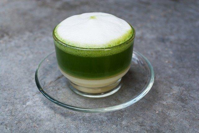 Pouvez vous ajouter du lait au thé vert ? (démonstration)