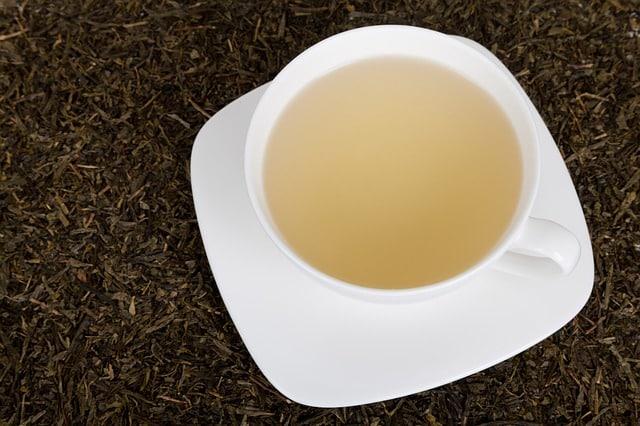10 bienfaits impressionnants du Thé Blanc (sur la santé)