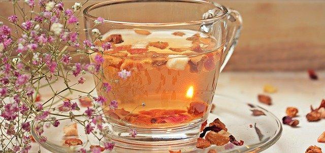 Comment Infuser du Thé à Froid (et Pourquoi)