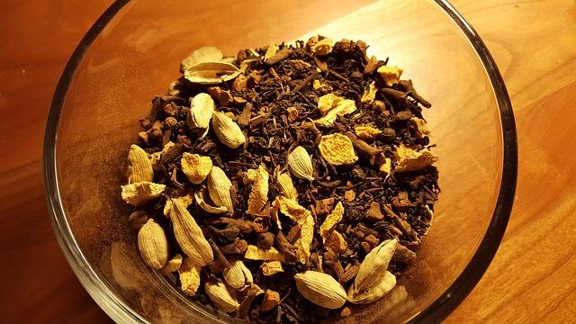 Épices dans le Thé Indien Masala Chai (qui remplacent la cannelle)