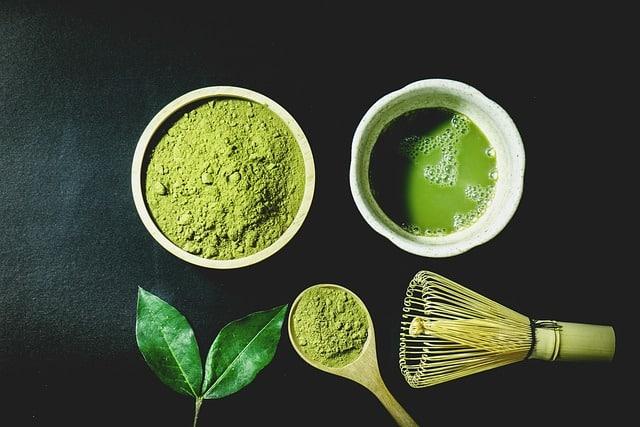 Poudre de Thé Vert Matcha : avantages et effets secondaires
