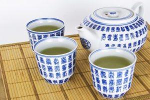 thé vert dangereux pour le foie